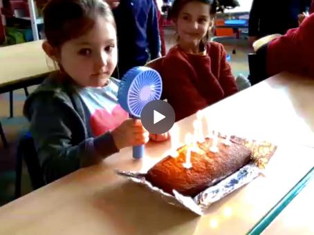 Comment souffler les bougies malgré le Covid-19 ? La réponse en 1A.