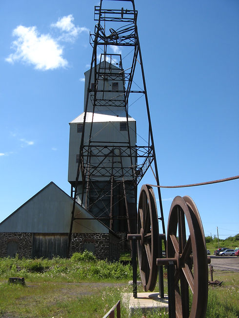 Quincy-Mine_No3_Shafthouse_andPulleys.jp