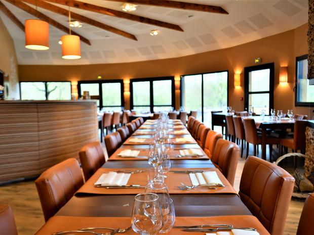 Salle du restaurant pour votre entreprise