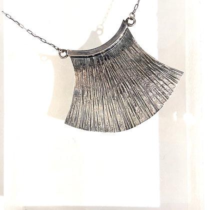 DH 225 Papyrus Pendant Necklace