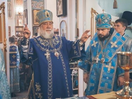 Митрополит Иона и владыка Антоний совершили Божественную литургию в день празднования в честь иконы