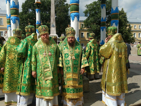 Епископ Ахтубинский и Енотаевский Антоний принял участие в торжествах в Свято-Троицкой Сергиевой лав
