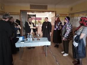 Епископ Ахтубинский и Енотаевский Всеволод освятил здание СОШ№1 в Ахтубинске
