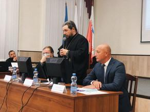В Енотаевке прошла конференция, посвященная 180-летию Свято-Троицкого кафедрального собора