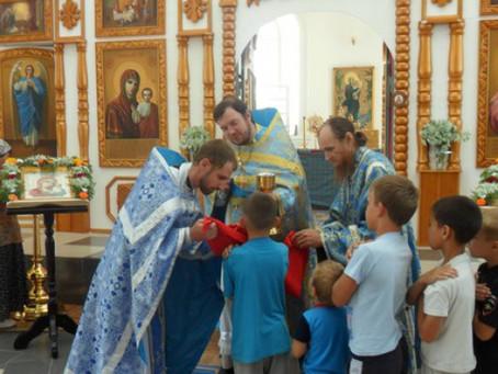 В храме Казанской иконы Божьей Матери с. Старица отметили престольный праздник