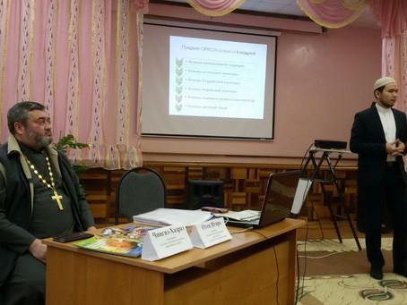 При участии священнослужителей епархии проходят родительские собрания по выбору модуля ОРКСЭ