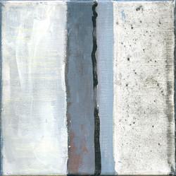 Trois gris sur fond blanc