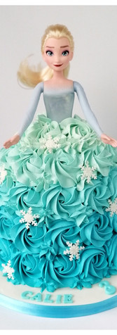 Cake design Barbie reine des neiges