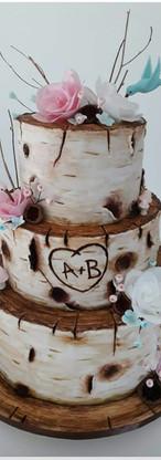 Wedding cake bois et papier effet bouleau