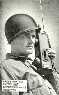 200px-Portable_radio_SCR536