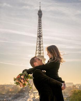 Eiffel Tower Couple Photoshoot