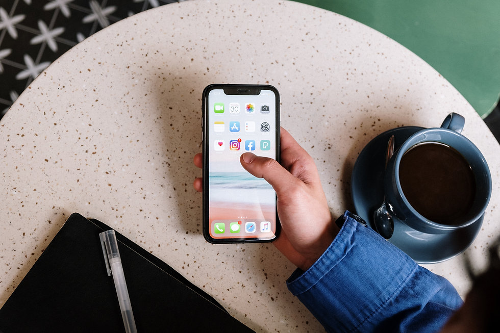 Person holding a iphone