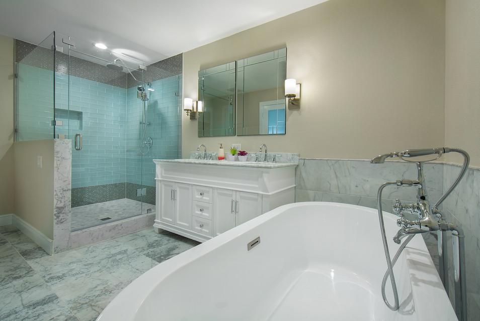 Master Bathroom-LaManga