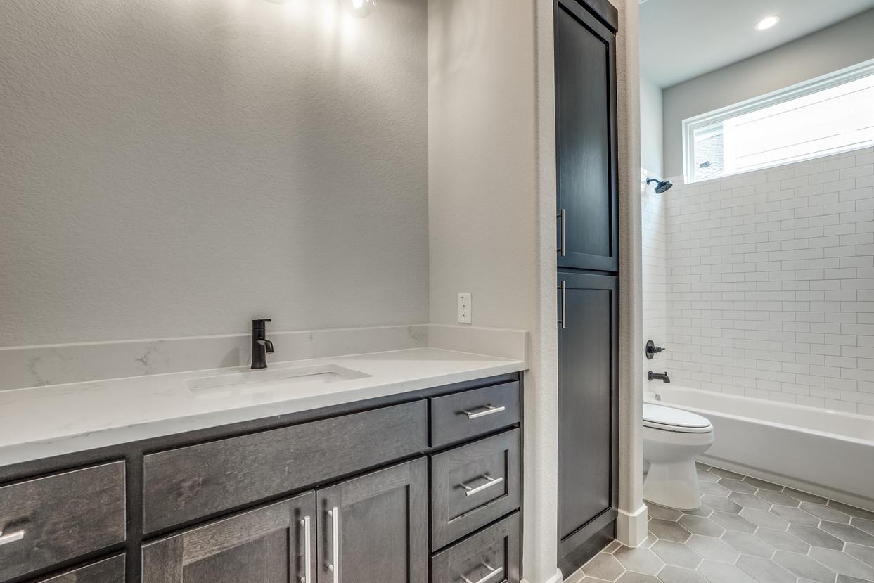 4417-somerville-Guest Bath.jpg