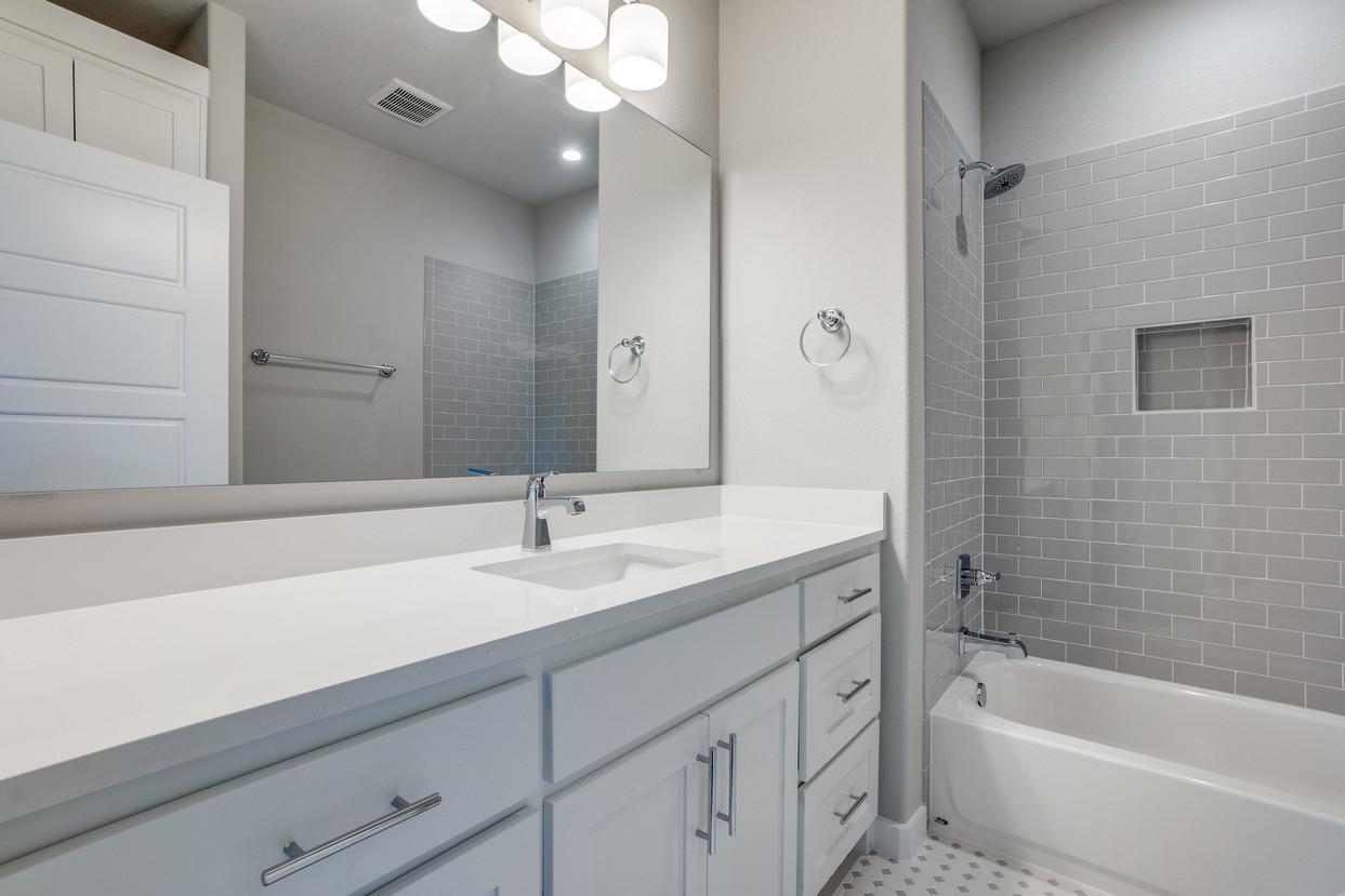4417-somerville-Bath 4.jpg
