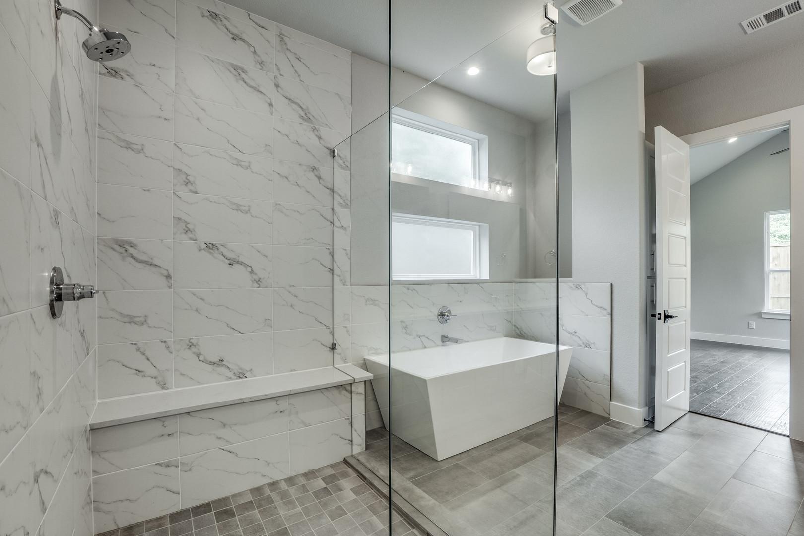 4417-somerville-Master Bath 2.jpg