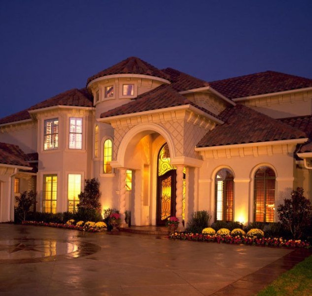 Cresswell Custom Builders Exterior Front of Home at Night