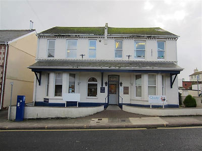 Expert Smile is located at Quay Dental Care, 21-23 Dendy Road, Paignton, Devon, TQ4 5DB