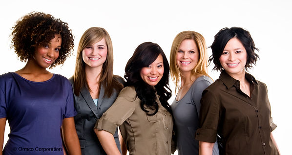 guess who? three of the five women are wearing damon clear invisible braces on this photo