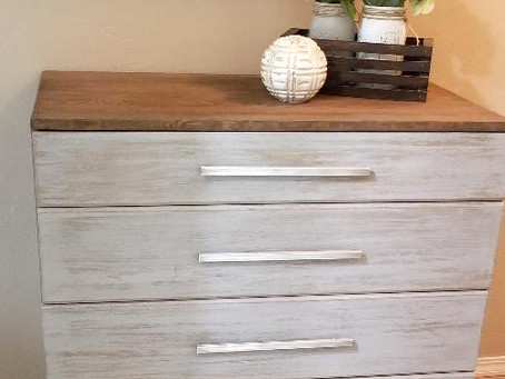 Distressed Icy Gray 4 Drawer Dresser on Wheels