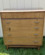 Dresser0014