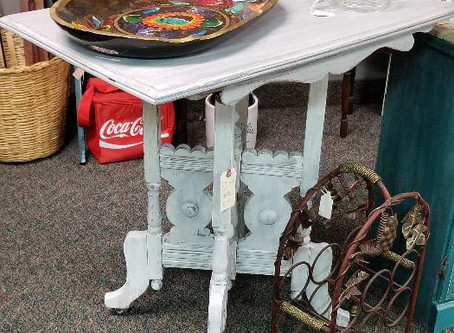 Distressed Aged Gray & Linen White Table