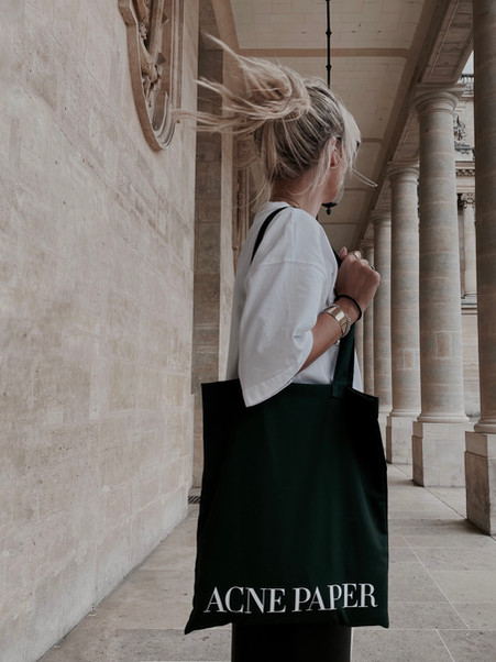 LOOKS / KATHRIN MORMANN IN PARIS / ACNE PAPER EXHIBITION