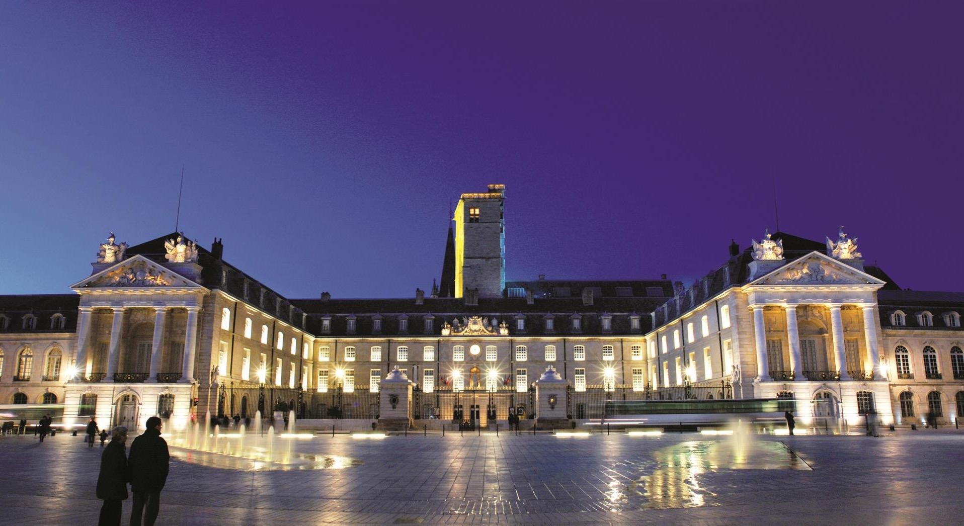7418-Dijon-Place-de-la-Liberation-copyri