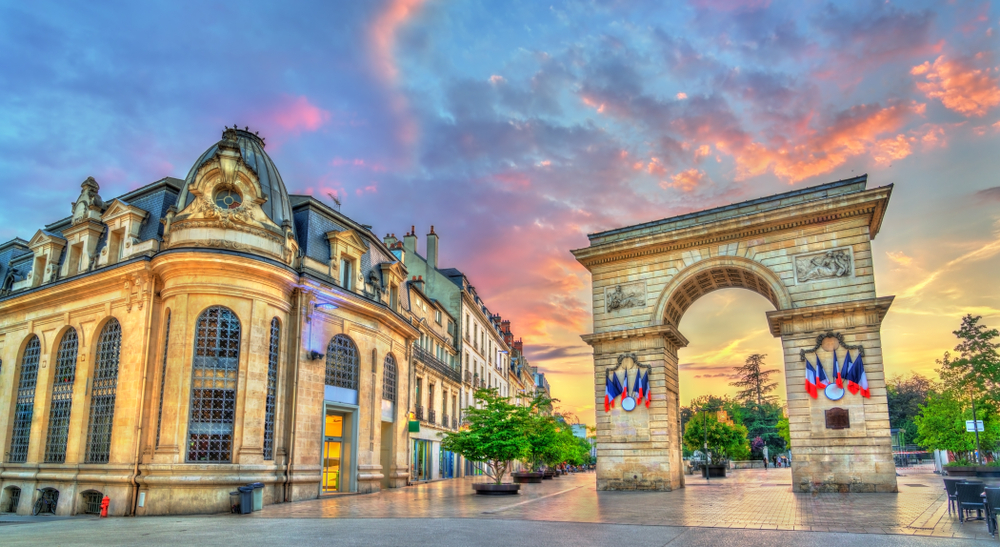 Porte Guillaume Place Darcy