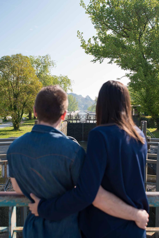 séance photo couple au Pont canal à Agen