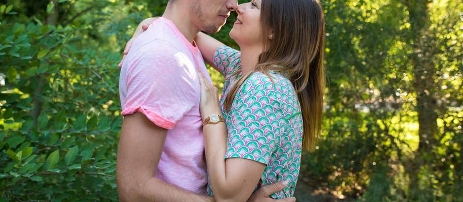 Photo couple - séance bucolique au jardin