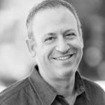 Empreendedor e Músico Jeffrey Rothchild é proprietário de uma agência de marketing com perda auditiva. Ele passa seu tempo livre fazendo música com e para sua família.