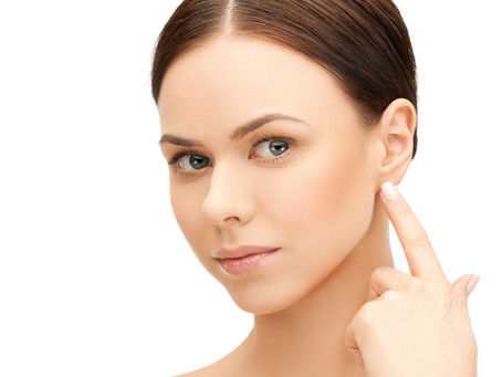 Quais são os possíveis efeitos negativos de uma perda auditiva não tratada?