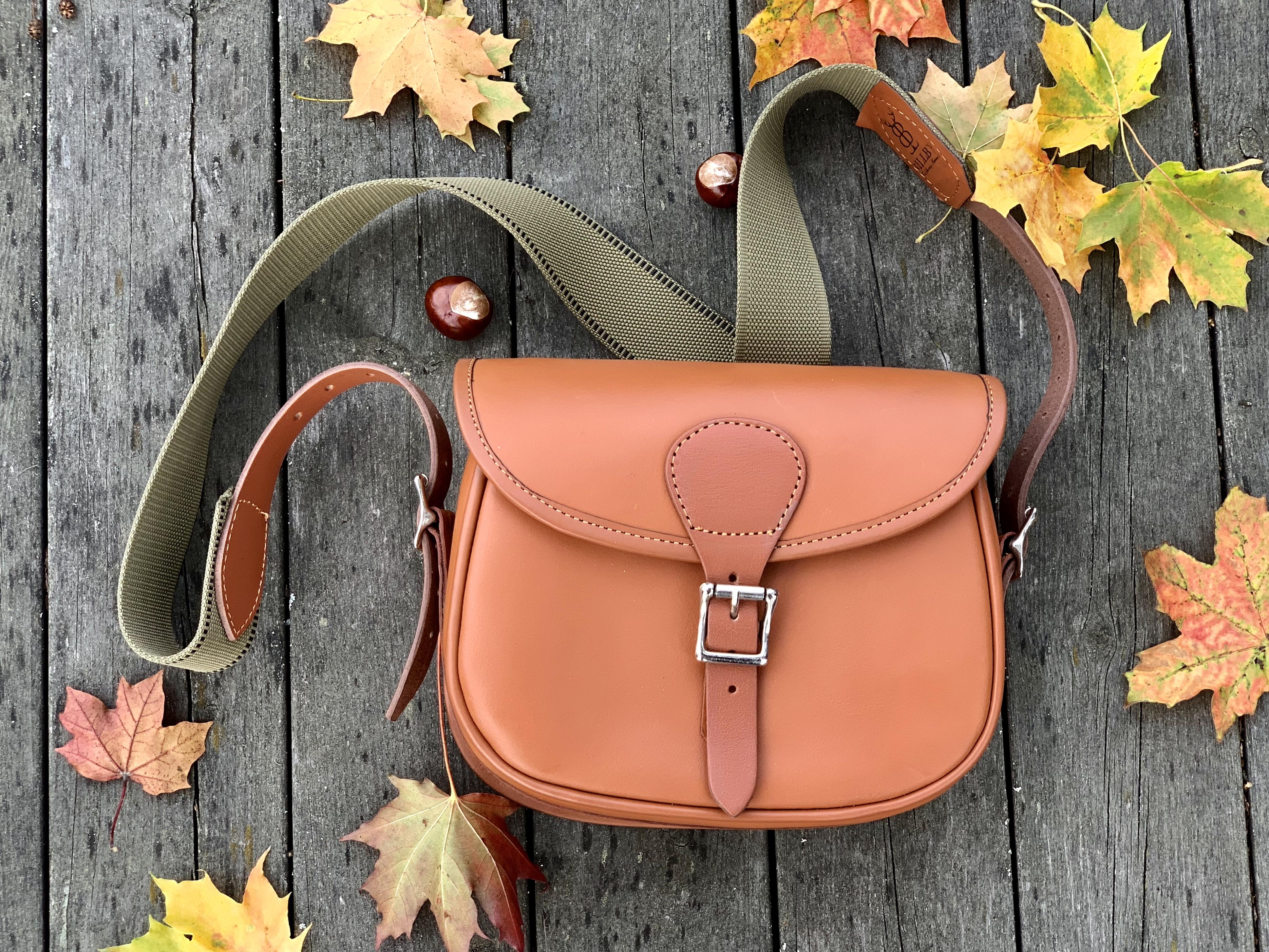 Handsydda väskor i kvalitetsläder