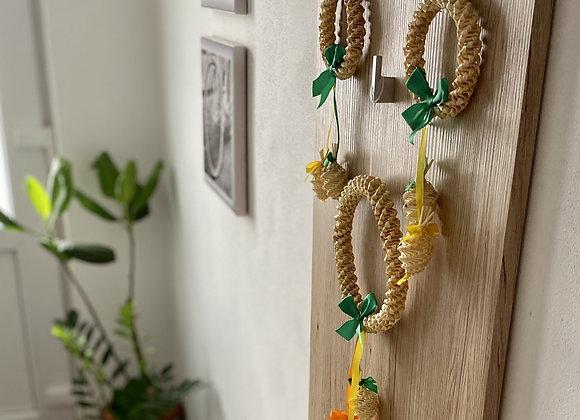 Slaměné dekorace do bytu - věnečky s vajíčky