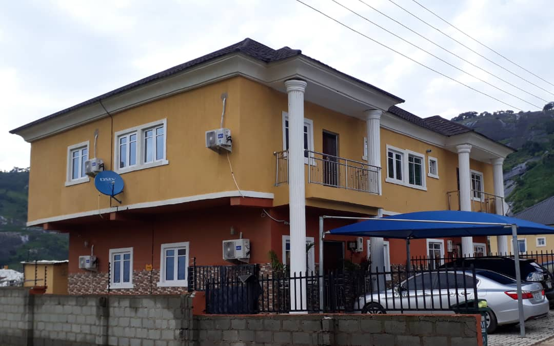 OCCUPIED 4-BED SEMI-DETACHED DUPLEX