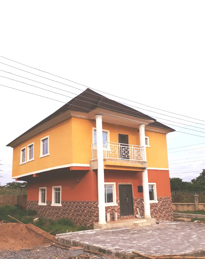 OCCUPIED 4-BEDROOM DETACHED DUPLEX