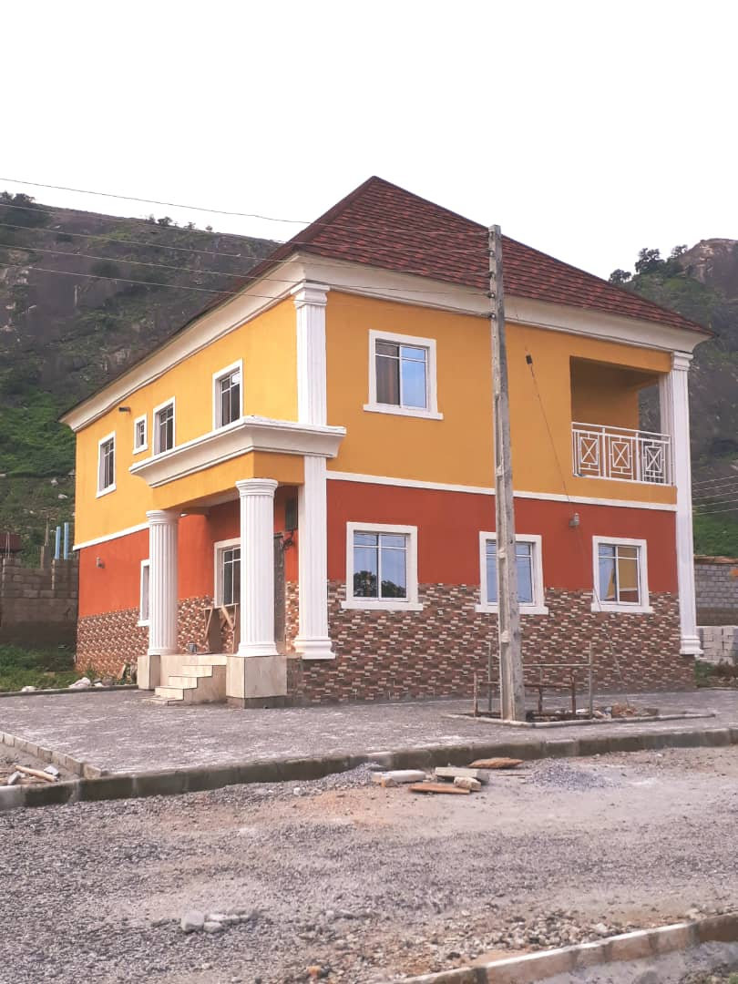 OCCUPIED 5-BEDROOM DETACHED DUPLEX
