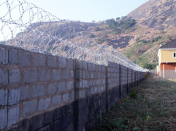 FENCE WITH DOUBLE BTC WIRE