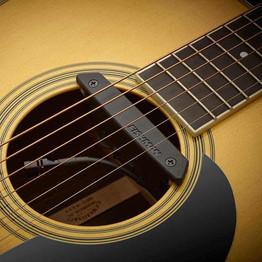 Rare_Earth_Mic_Blend_in_guitar.800.jpg