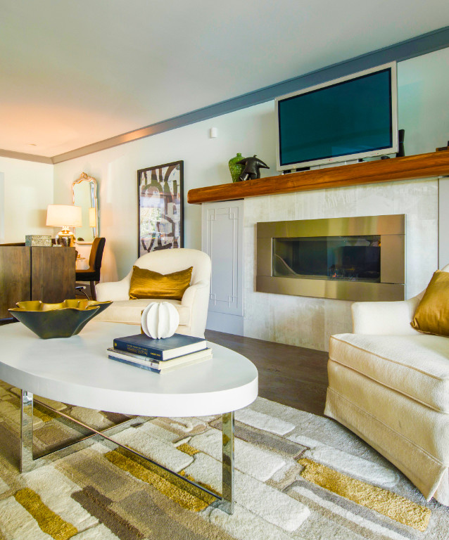 Guest Lounge with Firesplace