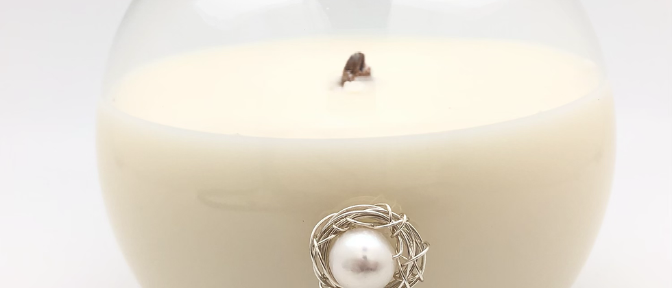 Pearl Medallion Candle