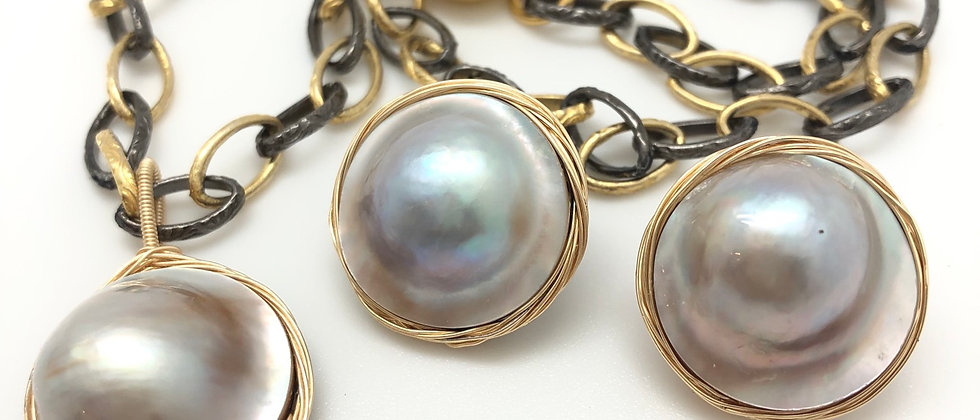 Soft grey Mabe Pearl pendant and earrings