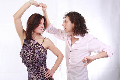 Alberto Gonzalez & Teresa Szefler, Salsa & Latin Dance instructors of Hot Salsa Dance Zone. Coquitlam BC & the Vancouver's Lower Mainland.