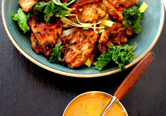 Satay utbenet kyllinglår peanøttsaus