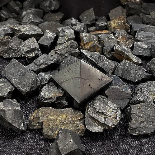 Polished Shungite Pyramid 30mm