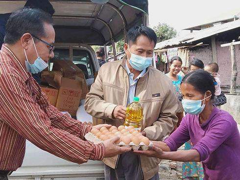FoodAid_IMG_4491_cropped_pp_tiny.jpg