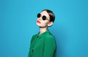 fashion-model-sunglasses-beautiful-young
