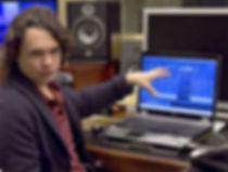 Звукорежиссер в студии. Музыкалный ноутбук для сведения logic, cubase, reaper, nuendo, pro tools hd, samplitude