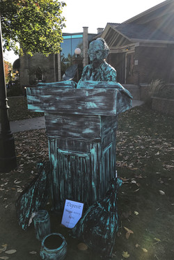 Harry Potter Festival 2017 Gringotts human statue_800
